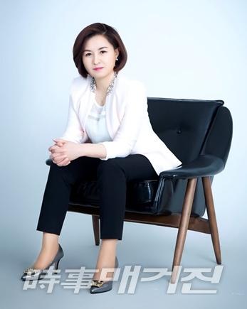 김동신다우케이아이디 대표 겸 한중문예진흥원 이사장(사진_시사매거진)